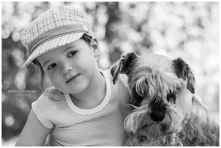 Design Ardour | Art & Design by Robyn Oosthuysen | Images | black and white | schnauzer